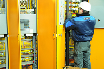 Control cabinet maintenance | IGZ